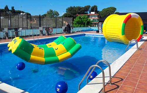 Alquiler hinchables acu ticos barcelona hinchables de agua for Alquiler de piscinas